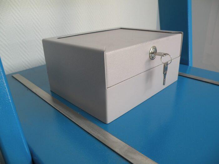 Auto / caravankluis, geschikt voor het opbergen van persoonlijke eigendommen